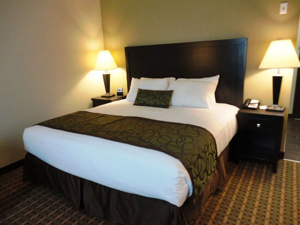Vernon Hotels Rooms Pacific Inn Amp Suites Book Now
